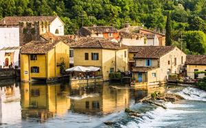 Italy-Borghetto-Trip-01